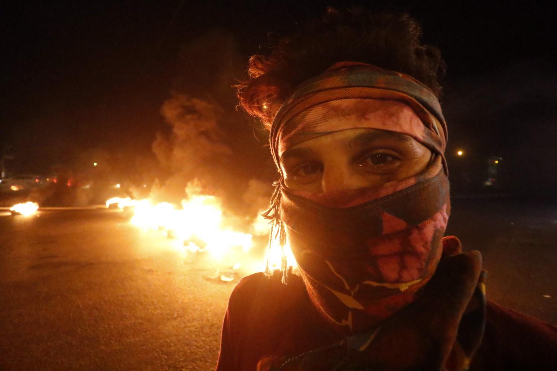 Proteste nella città di Basra in Iraq (LaPresse)