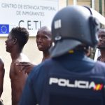 Perché la Spagna espelle i migranti<br>mentre l'Italia ha le mani legate