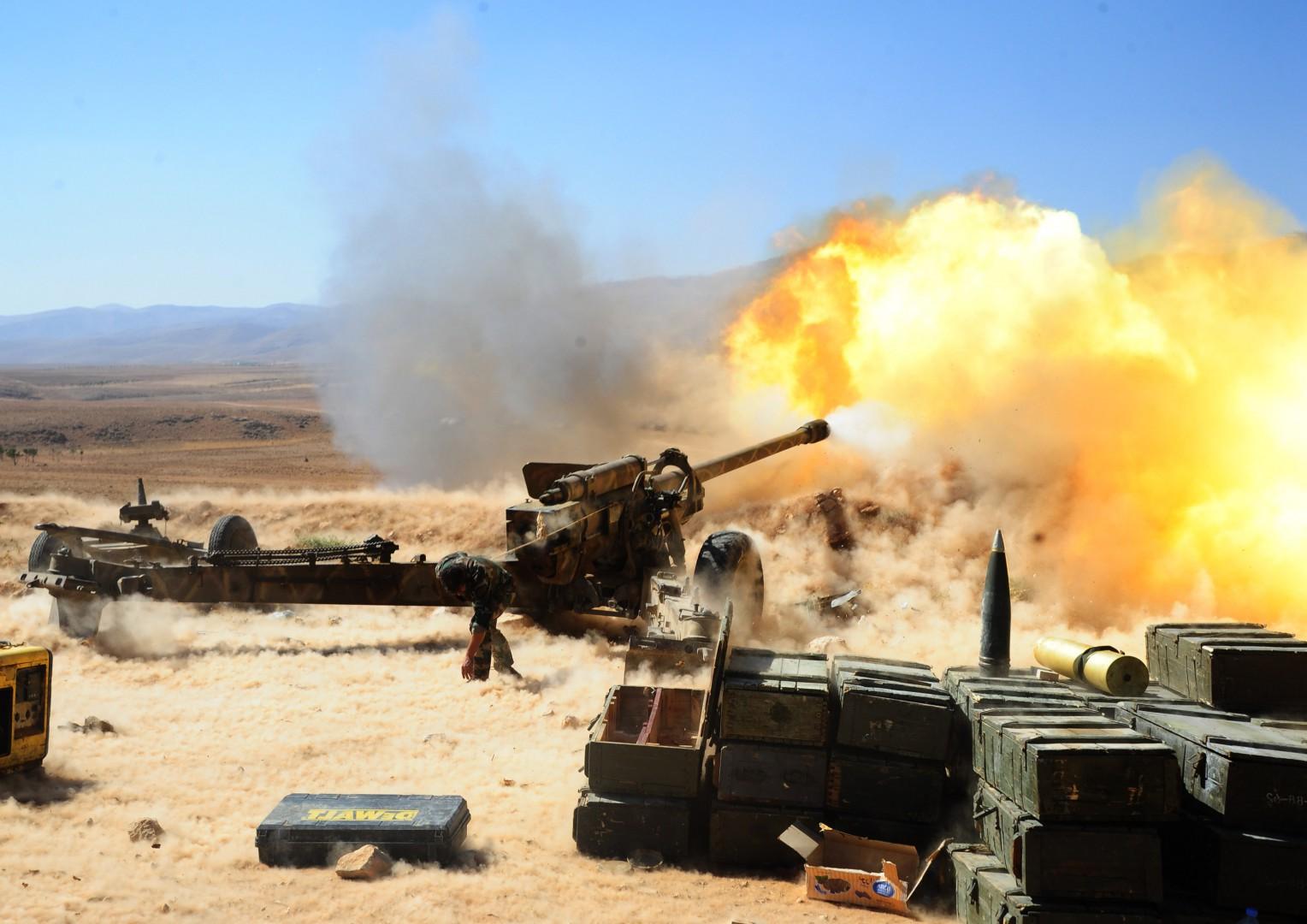 L'artiglieria di Hezbollah nella regione di Qalamoun in Siria (LaPresse)