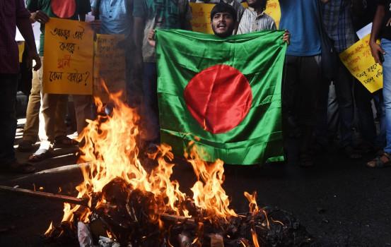 La protesta degli studenti in Bangladesh (LaPresse)