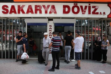 Turchia, la lira affonda (LaPresse)