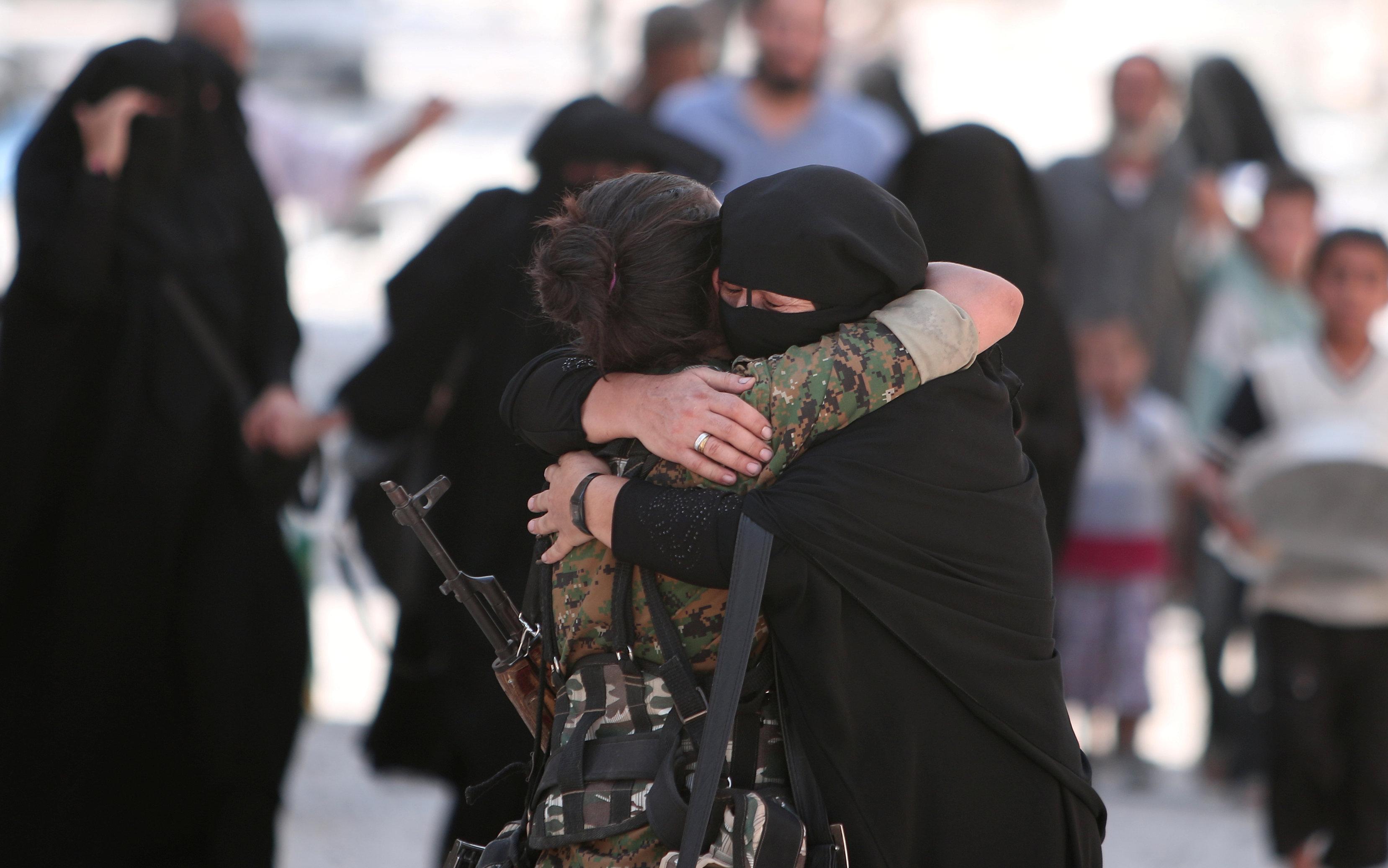 I curdi liberano la città di Manbij (LaPresse)