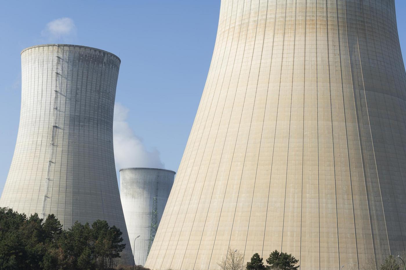 La Centrale nucleare di Tihange in Belgio (LaPresse)