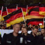 Germania, duello su immigrazione: <br> critiche a Merkel da destra e sinistra