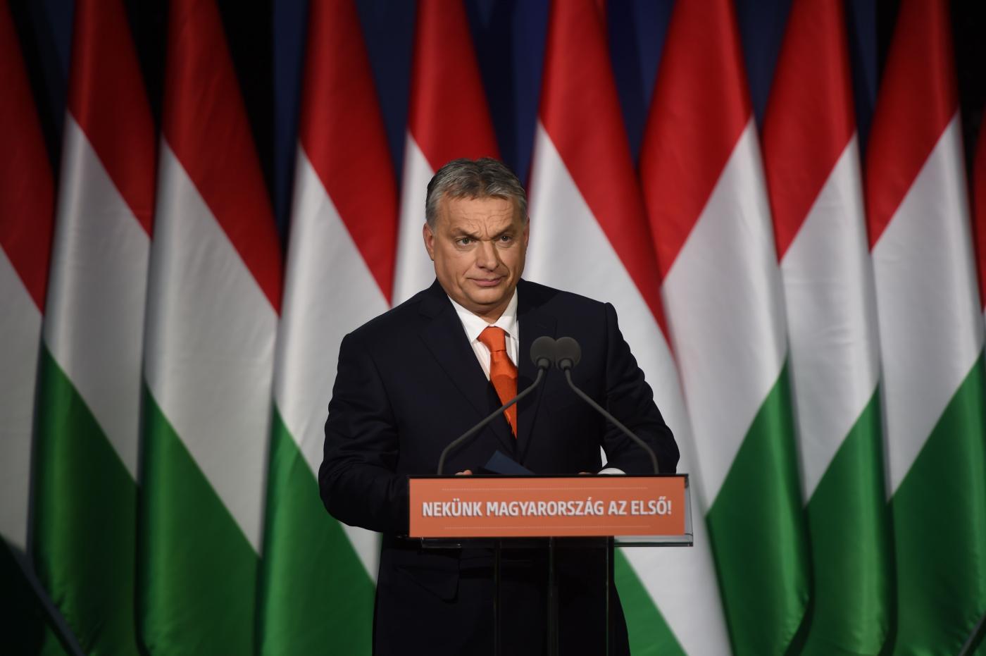 Viktor Orban durante un comizio (LaPresse)
