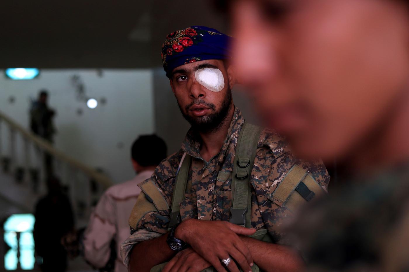 I curdi durante un'offensiva in Siria (LaPresse)