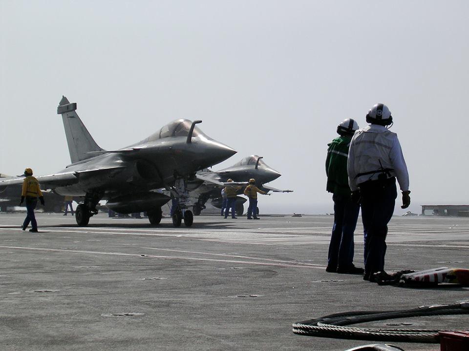 La francia ha un problema e pensa a una nuova portaerei - Nuova portaerei ...