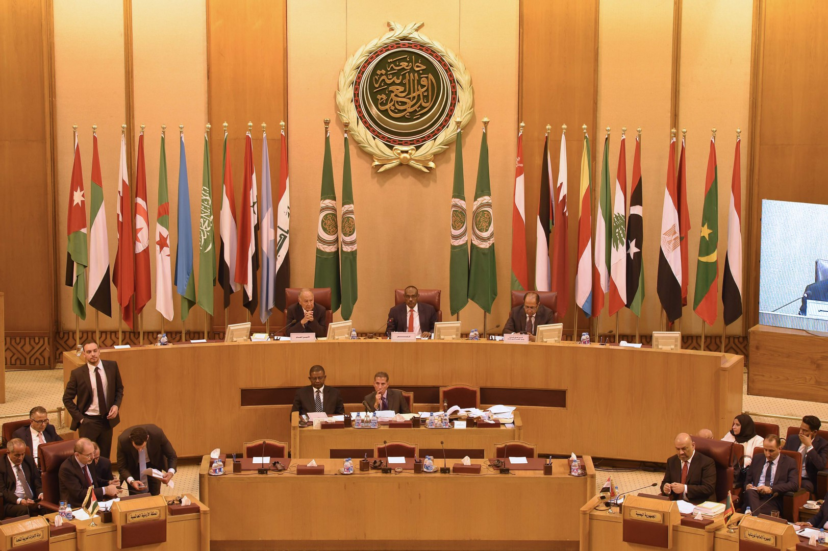 This picture taken on September 11, 2018 shows a general view of a meeting of the Arab League Foreign Ministers at its headquarters in the Egyptian capital Cairo, during a special session on the sidelines discussing the financial crisis of the United Nations Relief and Works Agency for Palestine Refugees (UNRWA)'s caused by the US scrapping its contributions. (Photo by MOHAMED EL-SHAHED / AFP)