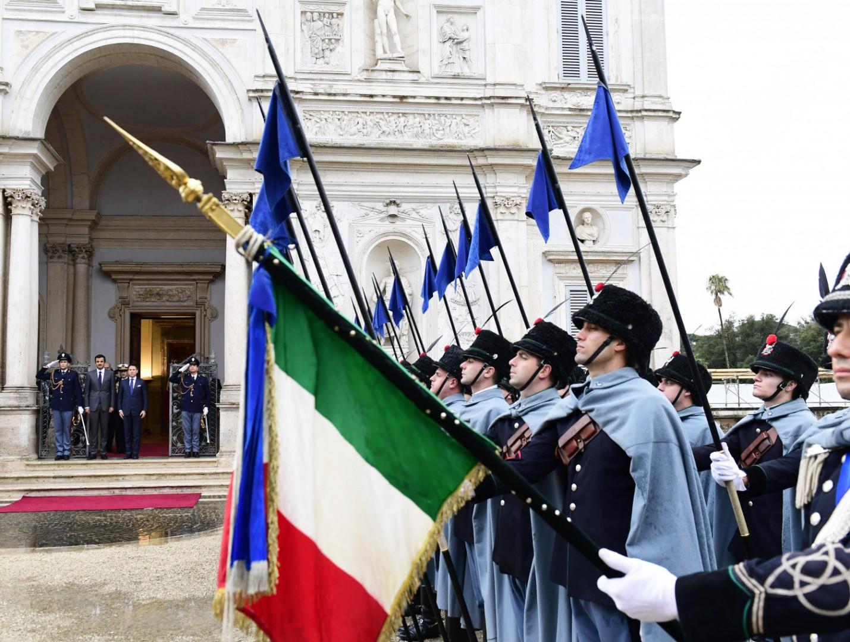 L'Italia si trova a dover fronteggiare il mondo bipolare e multipolare