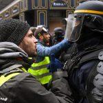 Macron adesso è disperato<br> La polizia vuole unirsi ai gilet gialli