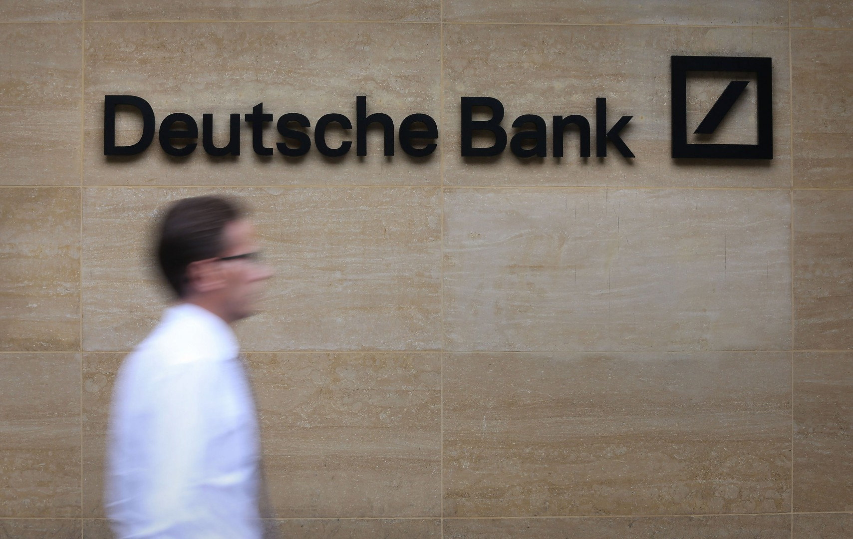 """File photo dated 26/09/16 of a Deutsche Bank office in London, as the bank has signed a 25-year lease for its new City headquarters despite warning that it may move staff and the """"vast majority"""" of its assets to Frankfurt in light of Brexit.  PRESS ASSOCIATION Photo. Issue date: Tuesday August 1, 2017. See PA story CITY DeutscheBank. Photo credit should read: Philip Toscano/PA Wire"""