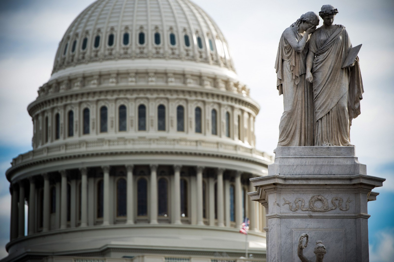 The US Capitol is seen in Washington, DC, December 17, 2018, as the Deadline for lawmakers to agree on a new spending deal to avert shutdown on Dec 22 approaches. - An angry Donald Trump told Democratic leaders at the White House on December 11 that he will shut down the US government because they refuse to approve billions of dollars in funding for his controversial Mexico border wall. (Photo by SAUL LOEB / AFP)