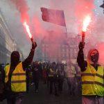 L'Europa ormai è paralizzata. Governi in crisi e piazze in fiamme