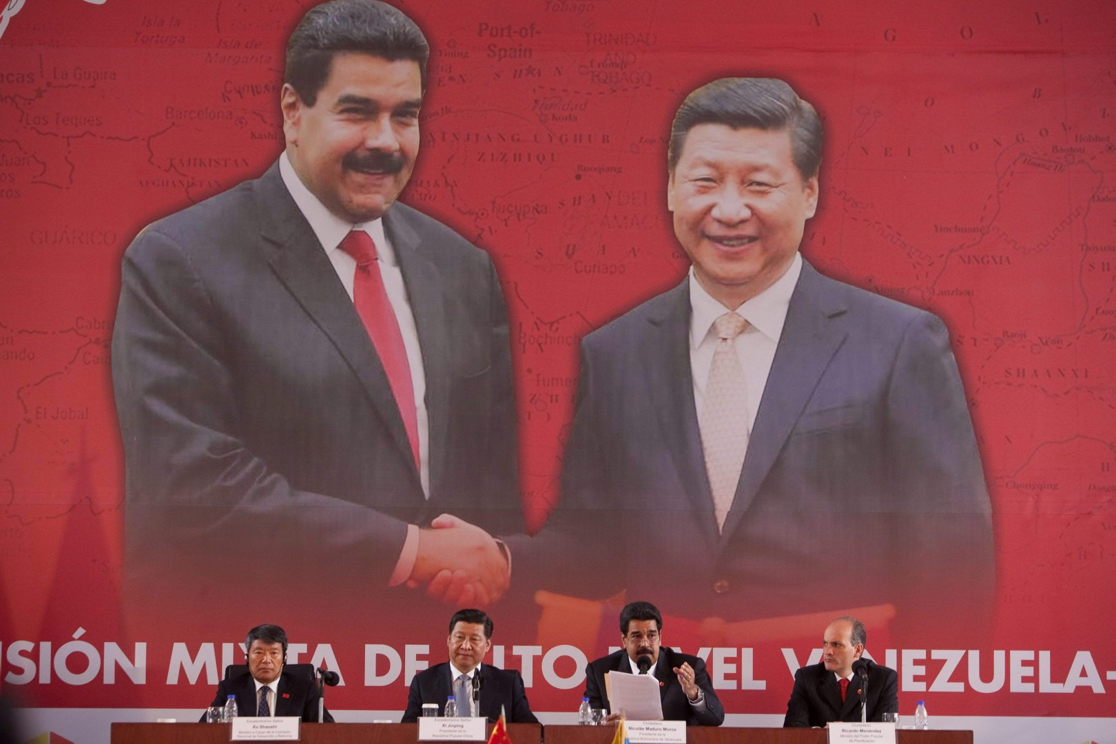 Chinese President Xi Jinping (2nd-L) addresses a press conference after his meeting with his Venezuelan counterpart Nicolas Maduro (2nd-R) in Caracas, Venezuela, 21 July 2014. Xi Jinping is in Venezuela for a 24-hour state visit, where he has signed bilateral agreements. EFE/Miguel Gutierrez