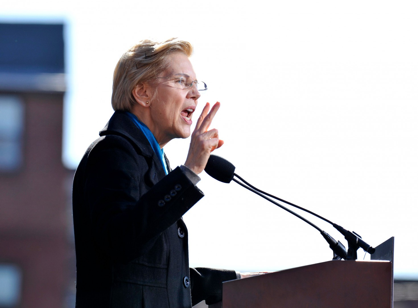 US Senator Elizabeth Warren announces her entry into the 2020 US presidential race on February 9, 2019, in Lawrence, Massachusetts. - The Massachusetts senator -- who announced her intention to run on New Year's Eve -- is among the highest-profile of the growing pool of Democrats hoping to unseat President Donald Trump in 2020. (Photo by Joseph PREZIOSO / AFP)