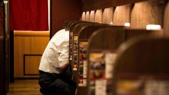 In Giappone sempre più persone muoiono a causa del troppo lavoro (LaPresse)