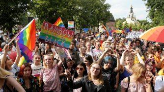 Attivisti Lgbt in Polonia (LaPresse)