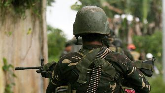 Esercito filippino durante la battaglia per liberare Marawi (LaPresse)