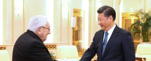 Henry Kissinger e Xi Jinping (LaPresse)