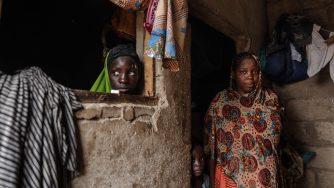 Donne sfuggite alla furia dei jihadisti di Boko Haram (LaPresse)