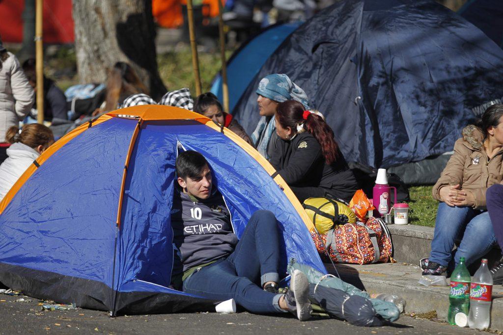 Argentina, gente in piazza per il cibo 7