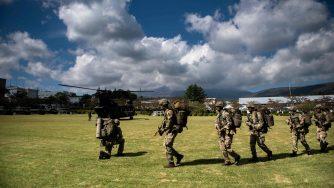 Esercitazione delle forze armate giapponesi e britanniche (LaPresse)