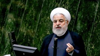 Teheran, discorso del presidente iraniano Hassan Rouhani in parlamento (LaPresse)