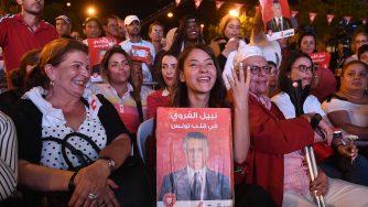 Sostenitori di Nabil Karoui, che si trova in carcere (LaPresse)
