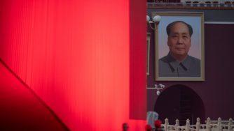Un ritratto di Mao Zedong in piazza Tiananmen (LaPresse)