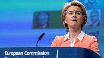 Bruxelles, conferenza stampa della Presidente della Commissione Europea Ursula von der Leyen (LaPresse)