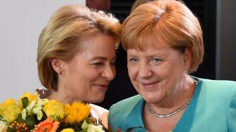Ursula von der Leyen e Angela Merkel (LaPresse)\