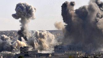 Bombardamento turco a Sanliurfa, ottobre 2014 (LaPresse)