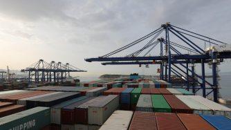 Cina, porto del Pireo