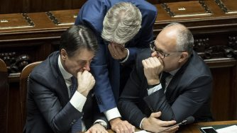 Giuseppe Conte, Paolo Gentiloni e Roberto Gualtieri (LaPresse)