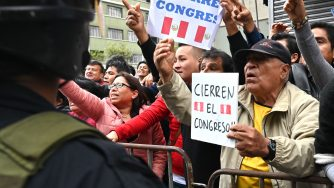 Perù, proteste a Lima (LaPresse)