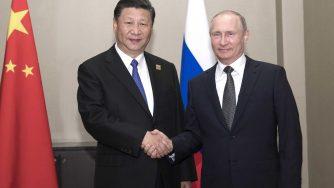 Kazakistan, Putin incontra il presidente della Cina Xi Jinping (LaPresse)