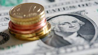 Euro dollaro (LaPresse)