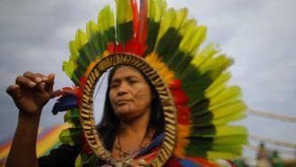 Una protesta dei nativi in Brasile (LaPresse)