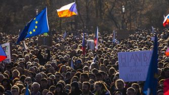 manifestazione a Praga, in Repubblica Ceca, contro Babis