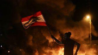 Le proteste contro il governo in Libano (LaPresse)