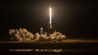 Spazio, il primo volo senza equipaggio della navetta di SpaceX (LaPresse)