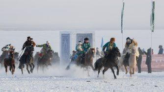 Cina, fiera invernale sulla neve a Hulun Buir (LaPresse)