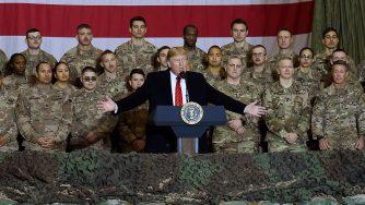 Donald Trump parla alle truppe stanziate in Afghanistan (LaPresse)