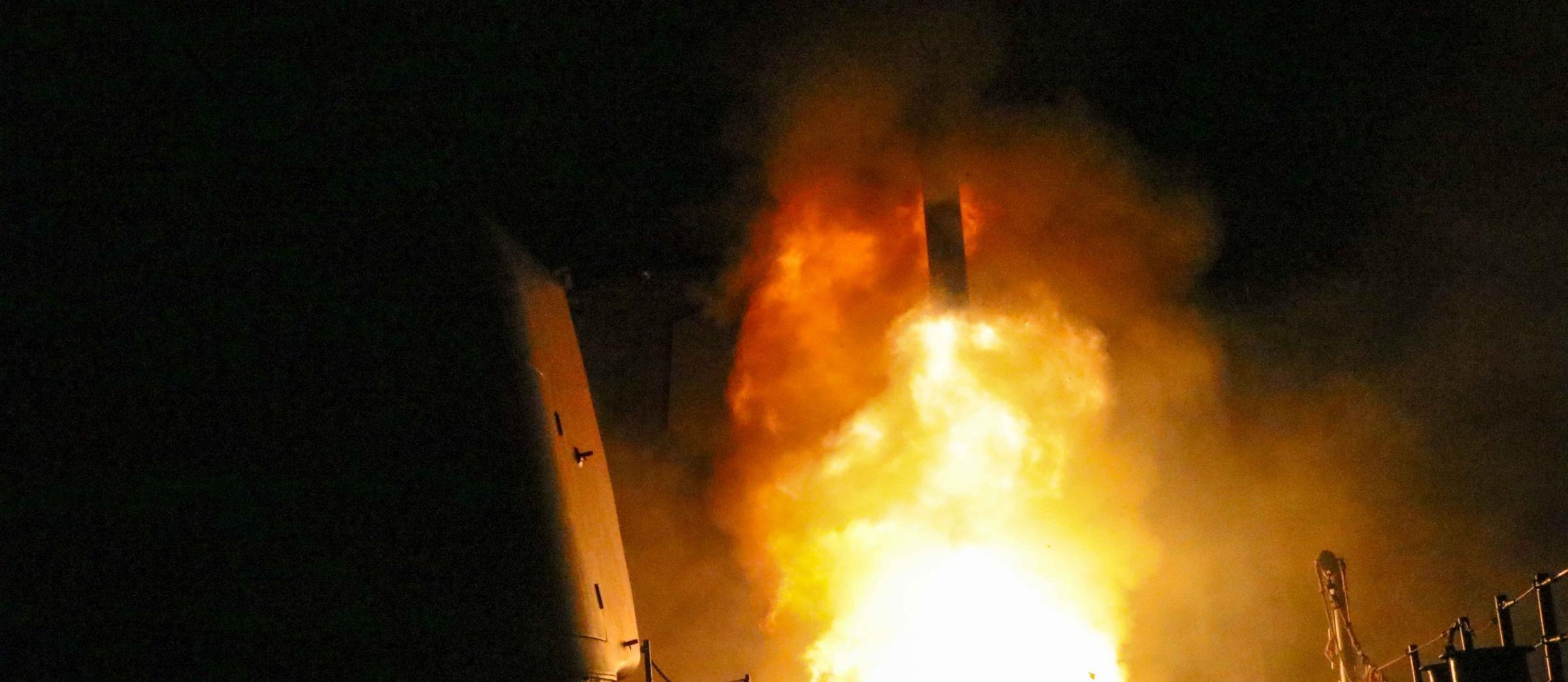Cina Usa, sale la tensione: minacce a colpi di test missilistici