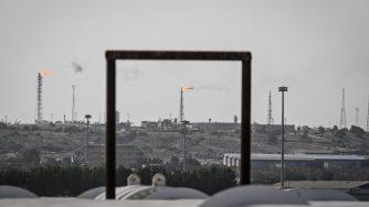 Una raffineria in Iran (LaPresse)