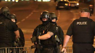 Attacco kamikaze all'arena di Manchester dopo concerto di Ariana Grande (LaPresse)