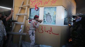 L'assalto all'ambasciata Usa in Iraq (LaPresse)