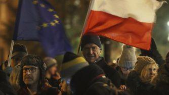 Polonia riforme gente in piazza (La Presse)