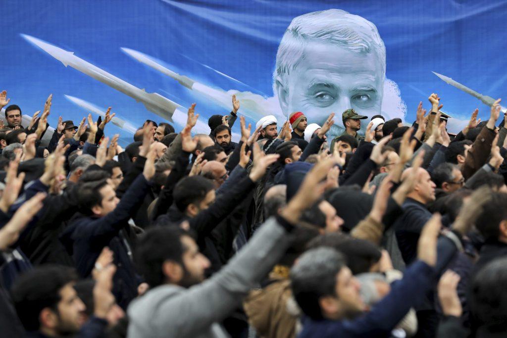 Il 2020 si è aperto con l'omicidio mirato del generale iraniano Qassem Soleimani da parte di un drone americano. Una scelta avventata degli Usa, che avrebbe potuto provocare un conflitto su larga scala