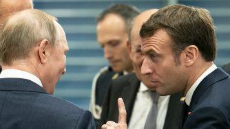 Vladimir Putin e Emmanuel Macron (LaPresse)